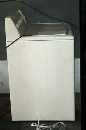 JUST REDUCED! MOVING SALE! Kenmore washer. Floor unit. All NEW hose included. for Sale in Brentwood, TN
