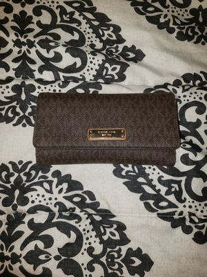 Michael kors wallet for Sale in Victoria, TX