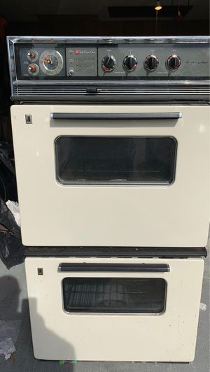 Antique Double Electric Oven by hotpoint for Sale in Beaumont, TX
