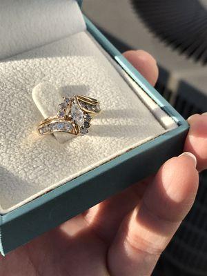 Ladies Engagement/Interlocking Wedding Ring for Sale in Pickerington, OH