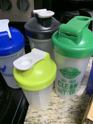 Blender bottle cups for Sale in WHT SETTLEMT, TX