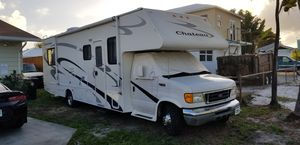 2006 Chateau Motorhome Low Miles Like New! W/slide out for Sale in Greenacres, FL