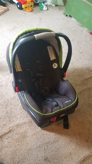 Graco car seat for Sale in Sharpsburg, MD