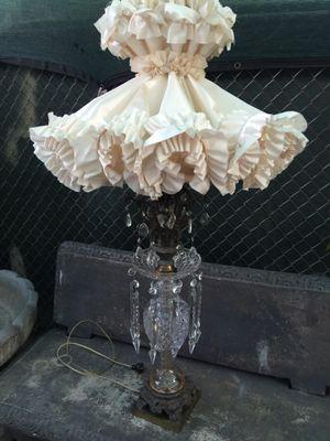 Antique crystal lamp vintage.! for Sale in Los Angeles, CA