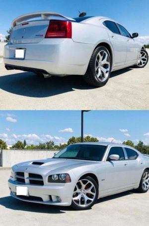 2006 Dodge Charger SRT8 price 1000$ for Sale in New York, NY