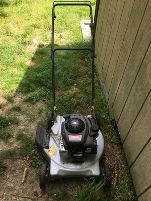 Murray 20 inch blade lawn mower for Sale in Clinton, MD
