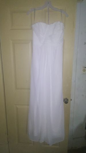Brand new never wore David bridal Beach wedding dress. NEED THIS GONE TODAY ONLY for Sale in Newport News, VA
