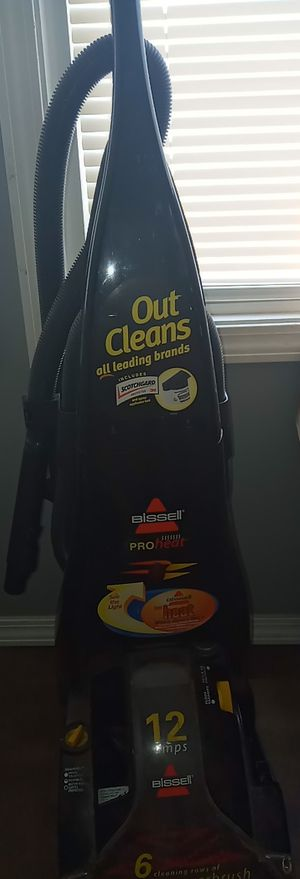 BISSELL CARPET CLEANER, SHAMPOO, HEAT SWITCH DRIES INSTANTLY, 6 BISSELL POWER BRUSH for Sale in IND HEAD PARK, IL