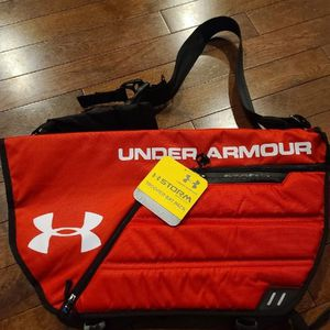 Under Armour Trooper Bat Pack Baseball Softball Storm Weather Resistant Red Bag for Sale in Westville, NJ