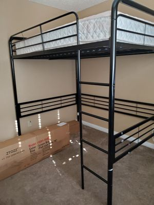 Full Loft Bunk Bed for Sale in Suisun City, CA