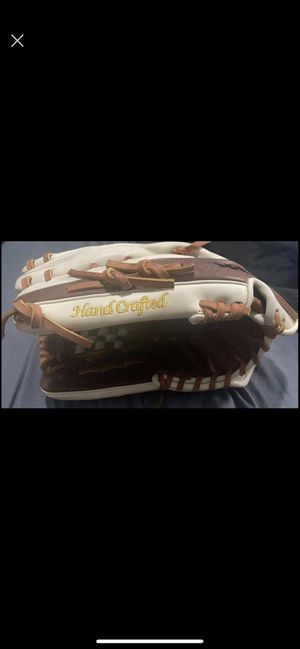 "Mizuno fastpitch handcrafted glove 12.5"" for Sale in Sacramento, CA"