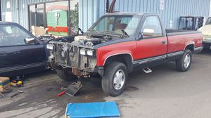 Parting out 1989 GMC 4 x 4 for Sale in Auburn, WA