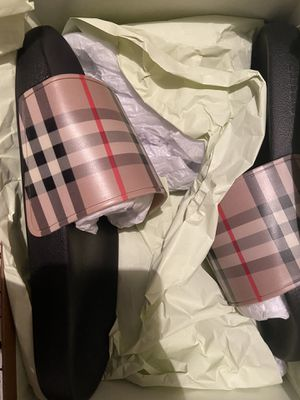 Burberry slides Men size 7 for Sale in Chicago, IL