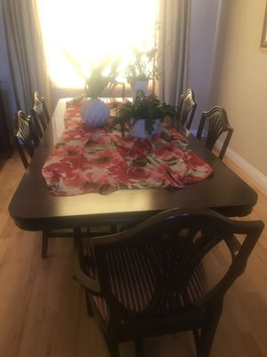 Dining room table and chairs for Sale in Chula Vista, CA