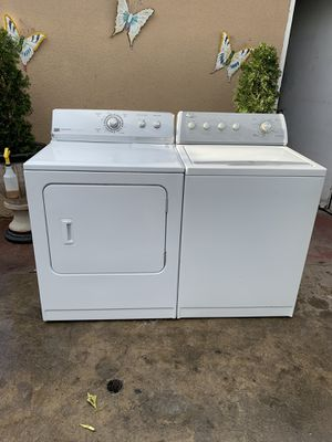 Whirlpool washer and electric dryer set for Sale in Fresno, CA