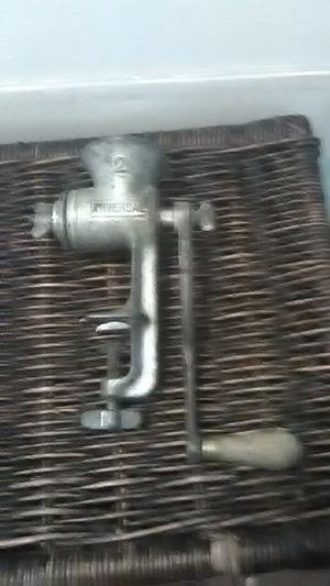 Vintage Hand Crank Grinder for Sale in Vancouver, WA
