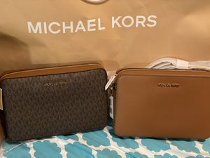 MK crossbody purses for Sale in Fresno, CA