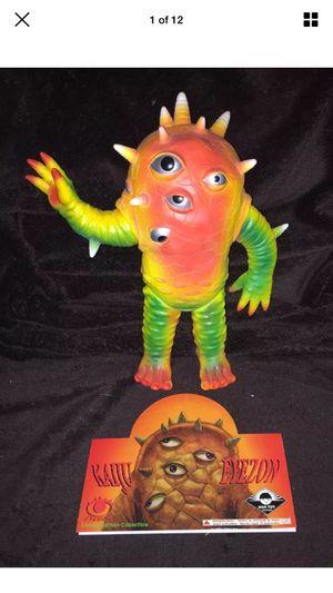 """Rare Max Toy Co 10"""" Eyezon Sofubi Vinyl Figure Kaiju Japan Exclusive Color Scheme Light shelf wear for Sale in Fremont, CA"""