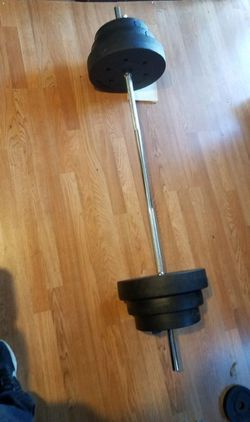 "5 foot standard 1"" barbell with 2x25lbs 2x15lbs 2x10lbs for Sale in Montebello,  CA"