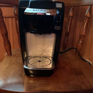 Keutig Coffee Pot for Sale in Coventry, CT