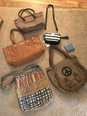 5 purses and 1 wallet for Sale in Avon, IN