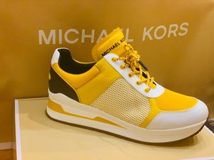 MICHAEL KORS SIZE 9 for Sale in Queens, NY