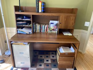 Computer Desk with Hutch for Sale in Chantilly, VA