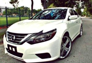 2O15 Nissan Altima 2.5 SL Good Tires for Sale in Chatham, MI