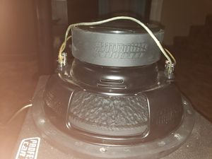 Sundown audio 12 inch subwoofer and groundshaker box for Sale in Tulare, CA