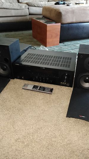 Look atall pics!!!!:Polk audio speakers , Yamaha 4k receiver for Sale in Woodhaven, MI