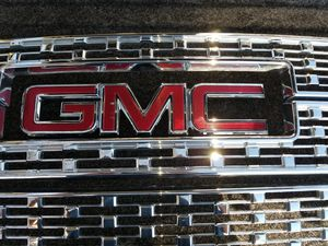 GMC GRILL PARTS for Sale in Ceres, CA