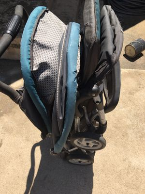 FREE DOUBLE STROLLER for Sale in Rialto, CA