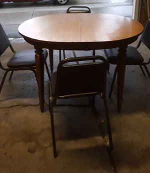 Table 4 chairs. for Sale in Dearborn, MI