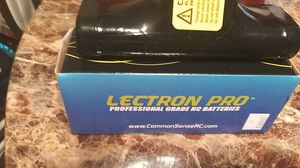 28.4 nicad batteries and 1 Traxxas Power Cell 3 cell 5000 lipo for Sale in Tarpon Springs, FL