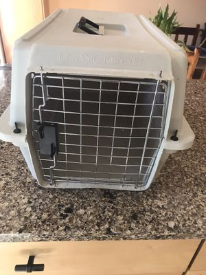 Classic pet crate small with front door. for Sale in Tempe, AZ