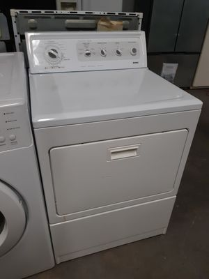 KENMORE ELECTRIC DRYER WORKING PERFECTLY 4 MONTHS WARRANTY for Sale in Baltimore, MD