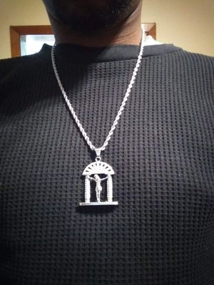 Stainless steel rope chain wit pendant for Sale in Hartford, CT