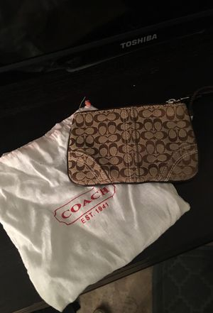 Like New Coach Wristlet for Sale in New York, NY