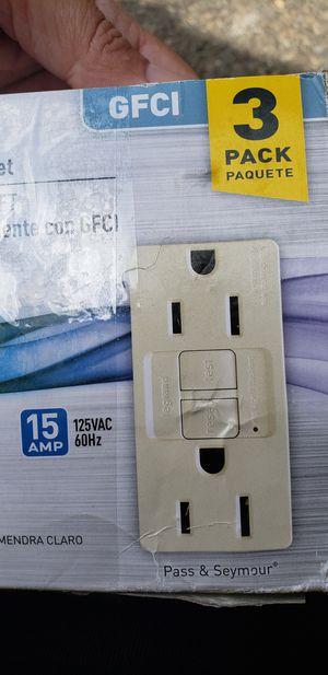Legrand Radiant GFCI Outlet 15 Amp 3 Pack White (1597LA3PKCC4) for Sale in Brockton, MA