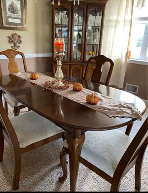 Dining room set for Sale in Fresno, CA