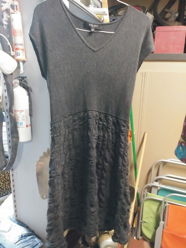 Women's xl/xxl shirts, dresses, pants