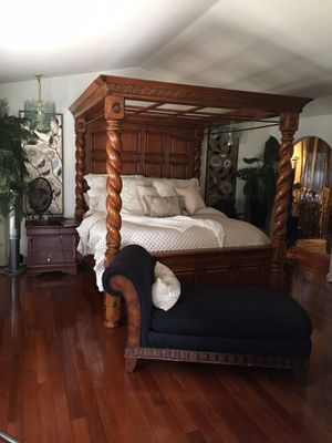 4 post king sized canoe bed frame and dresser (mattresses not included) $1500 OBO for Sale in Corona, CA