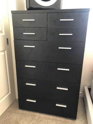 Bedroom dresser and nightstand set for Sale in Irvine, CA