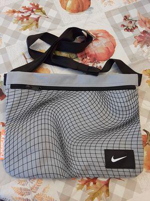Nike simple crossbody bag for Sale in Montebello, CA