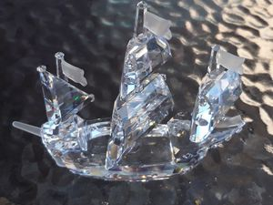 Beautiful Swarovski santa Maria chip crystal with so small damge on the front for Sale in El Cajon, CA