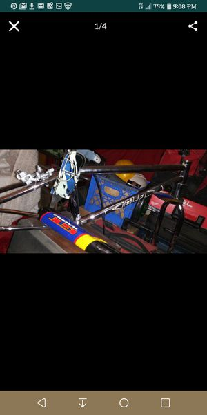 1989 elf frame great condition no dings no dents dropouts are great for its age . for Sale in Cypress, CA