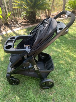 Graco Modes Travel System stroller and infant car seat for Sale in Silverado, CA