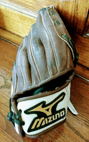 "MIZUNO 10"" Baseball Mitt ~ Prospect with Power Close & Side Bars & Tartan Flex Web for Sale in San Marcos, CA"