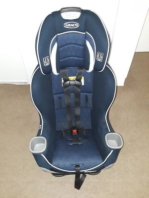 Convertible car seat Graco Extend 2Fit, like new. for Sale in Riverside, CA