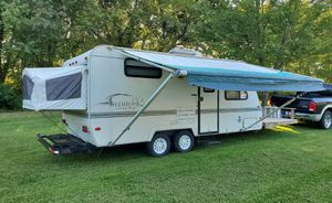 2OOO Trailer White for Sale in Bridgeport, CT